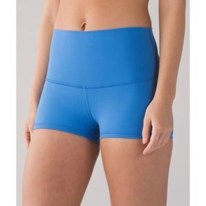 Lululemon Boogie Short (Roll Down) Size 2